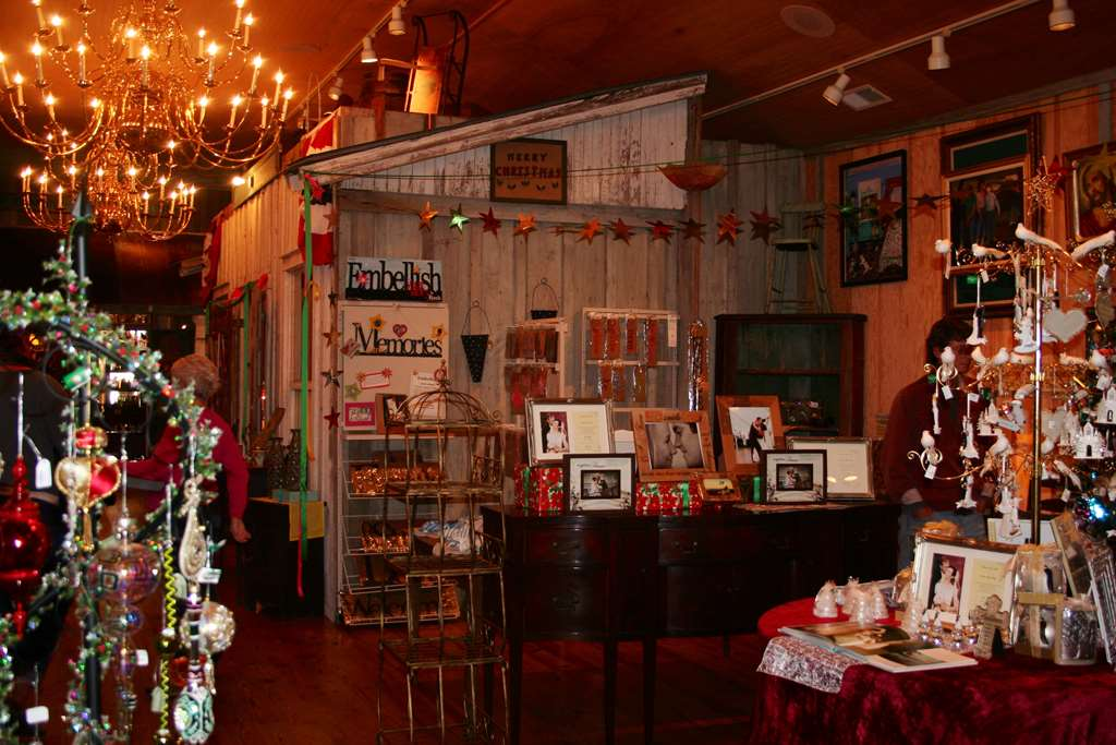 Christmas shop manteo christmas decore for The christmas shop